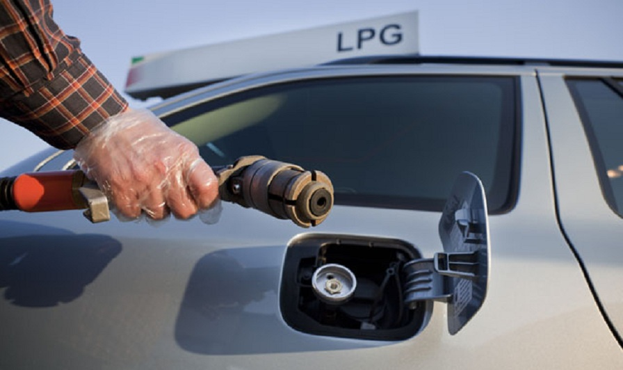 LPG pistol, filling connector, fuelling, refuelling, Skoda Octavia Combi III 1,6 75kW LPG,  Liquefied petroleum gas,  autogas, green, CO2